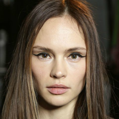 15-makeup-trends-to-try-this-fall-graphic-liner