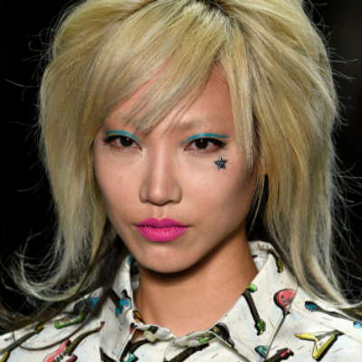 15-makeup-trends-to-try-this-fall-jewel-toned-eyes
