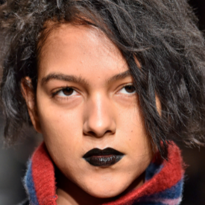 15-makeup-trends-to-try-this-fall-metallics